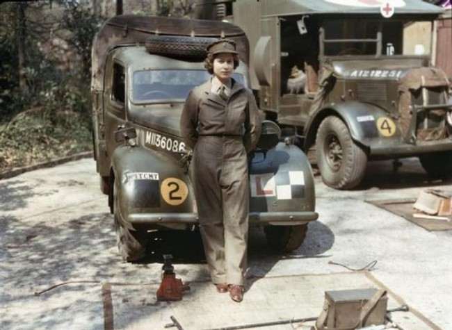 queen elezabeth ww2