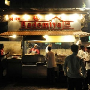 Places Where A Real Mumbaikar Eats