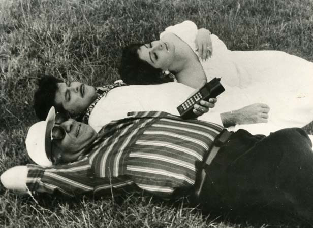 24. anil kapoor, sridevi and yash chopra relaxing at a shooting spot