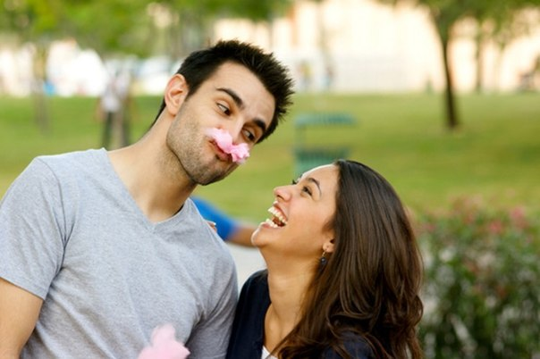 If You Are Goofy, Here Are 12 Reasons Why She'll Fall For You