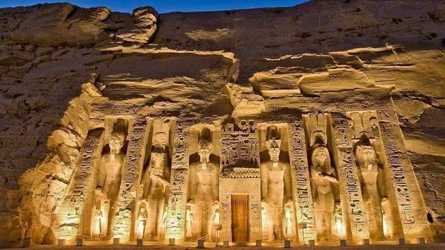 11 Top Things to Do in Egypt with Your Egypt Tour Package